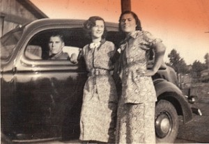 Siblings Car-posing 1936