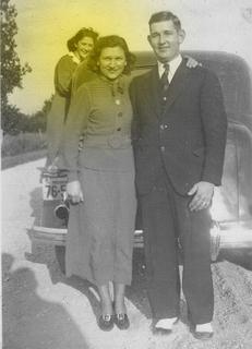 Photobomb car-posing 1936