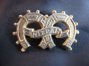 Victorian jewelry-mizpah pin