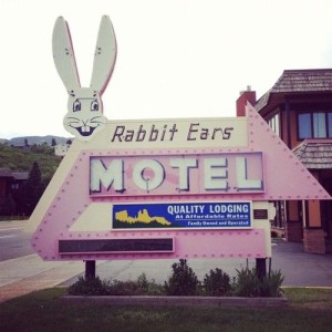 Rabbit Ears Motel sign