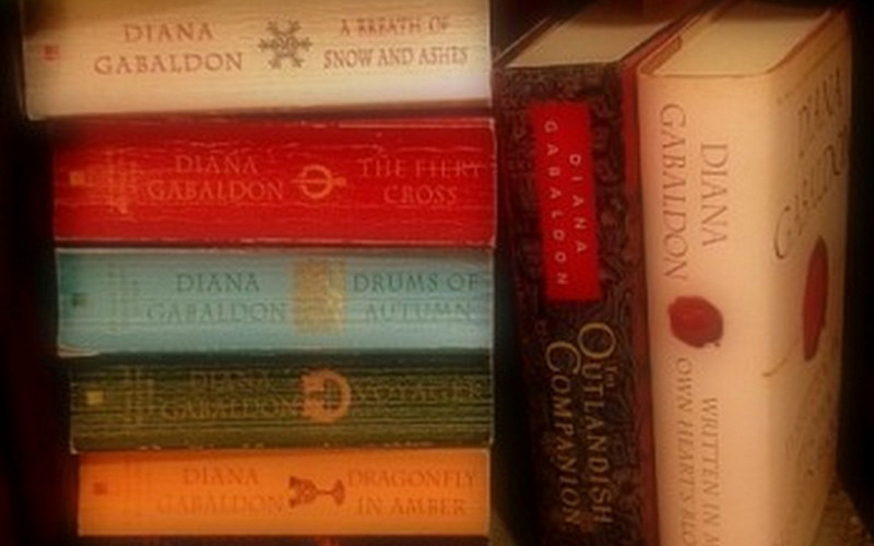 OUTLANDER SERIES: TIME TRAVEL VIA DIANA GABALDON