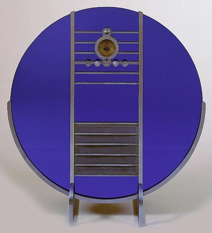 Walter Dorwin Teague floor radio