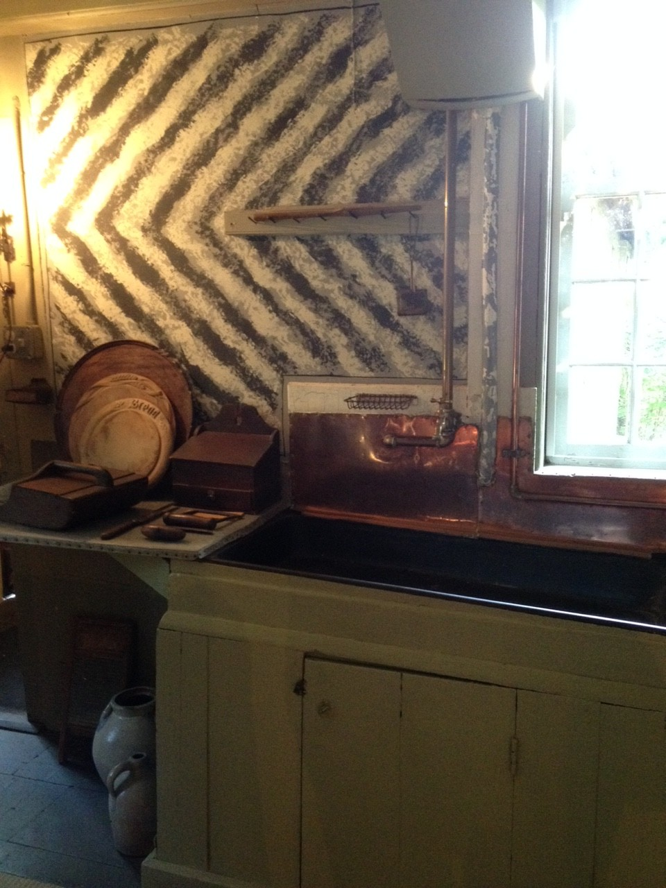 Colonial Chevron, Old Manse kitchen