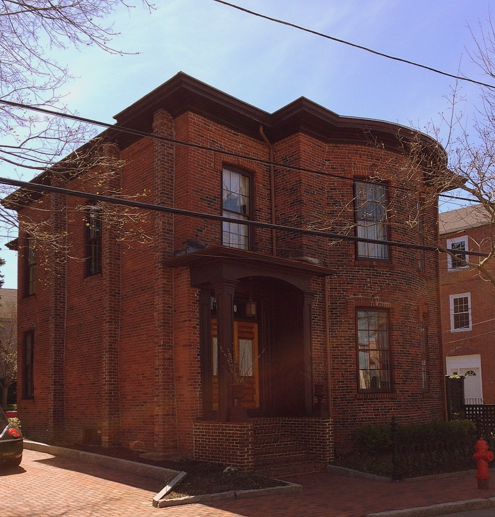 brick house, Newburyport MA