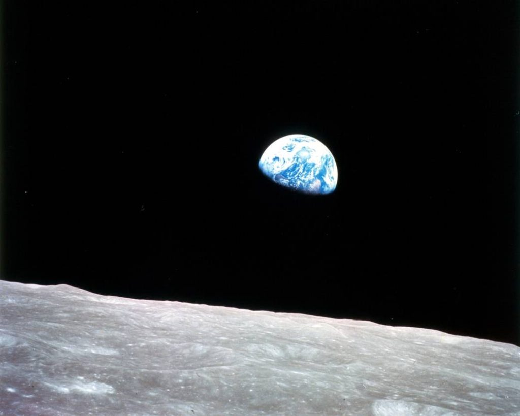 10 earthrise