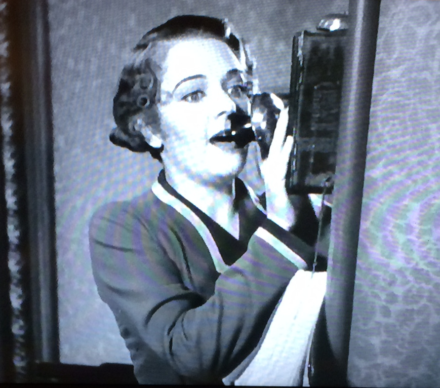 Gold Diggers of 1933 making a call